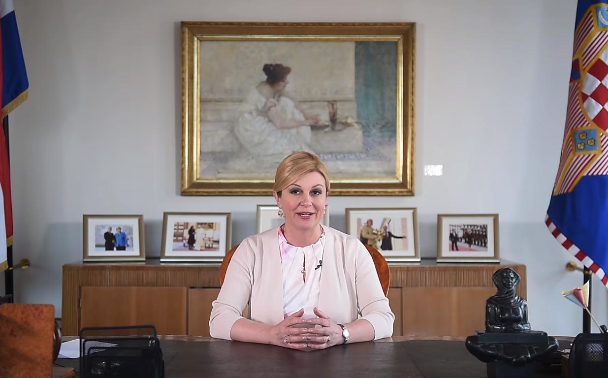 """Photo of VIDEO Predsjednica Grabar-Kitarović: """"16. srpnja ostat će zauvijek zapisan u našim srcima"""""""