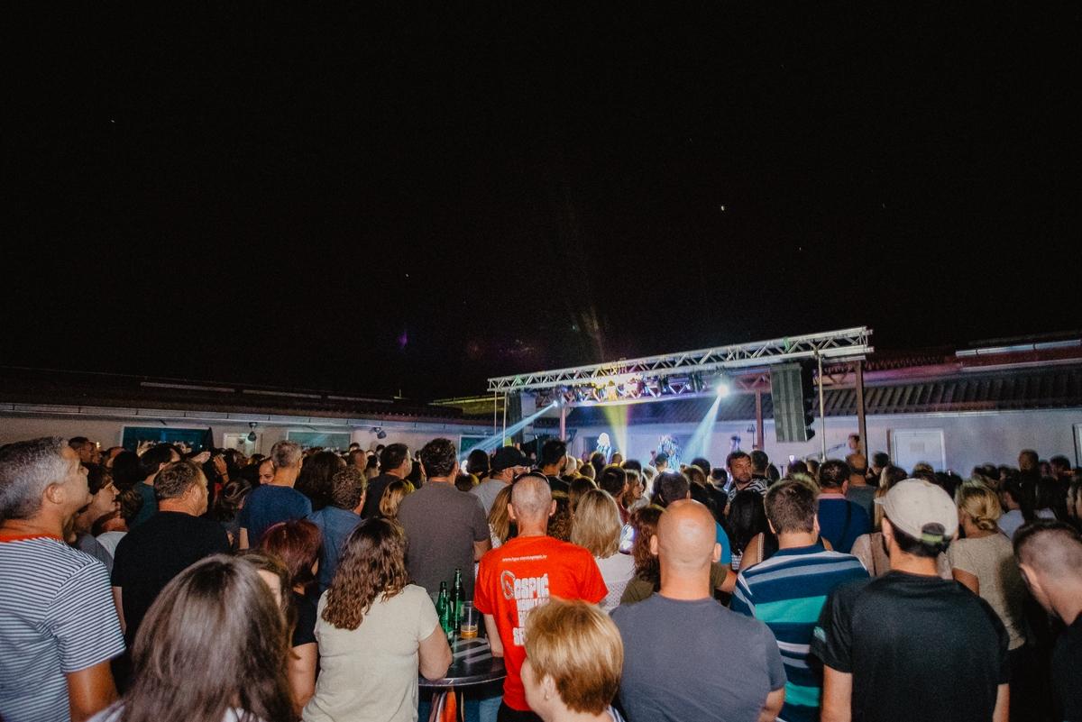 Photo of PRAVI ROCK TULUM Crvena Jabuka u petak u Gospiću!