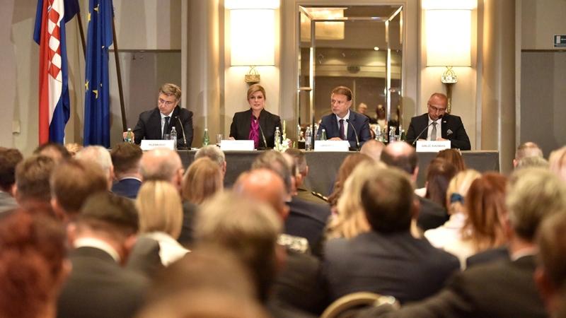 Photo of Predsjednica Republike sudjelovala na godišnjoj konferenciji hrvatskih diplomata
