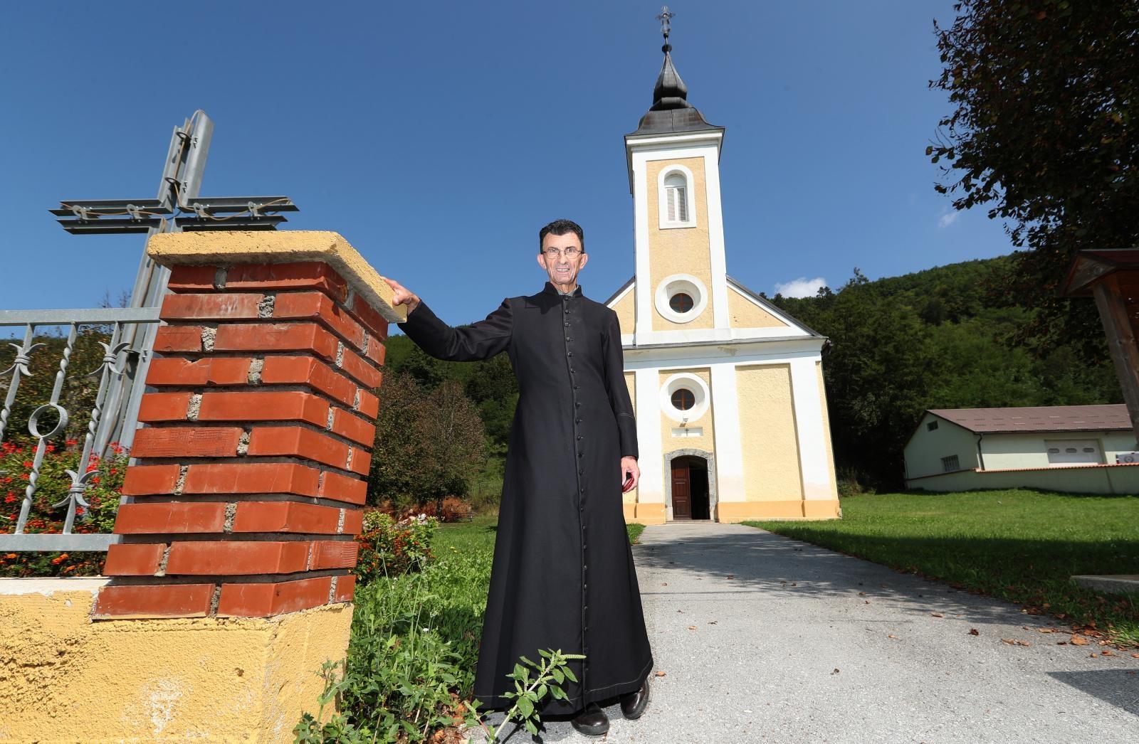 Photo of Don Anđelko Kaćunko proslavio 40. obljetnicu svećeništva