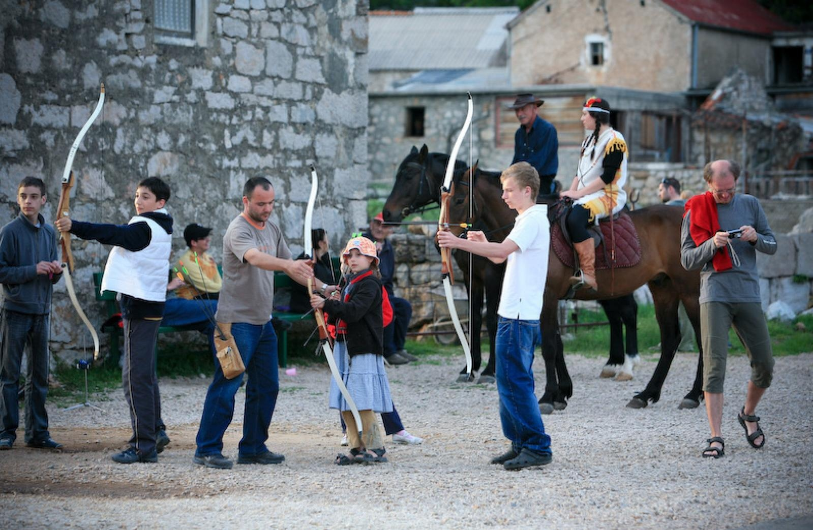 Photo of U KOLOVOZU Winnetou festival u Starigrad Paklenici