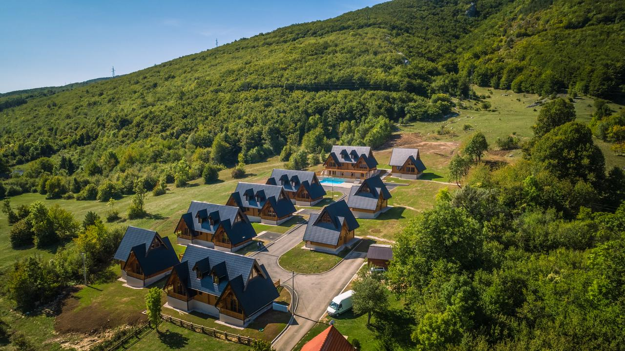 Photo of Drvene kuće kod Korenice – novi atraktivan smještaj ličkog turizma