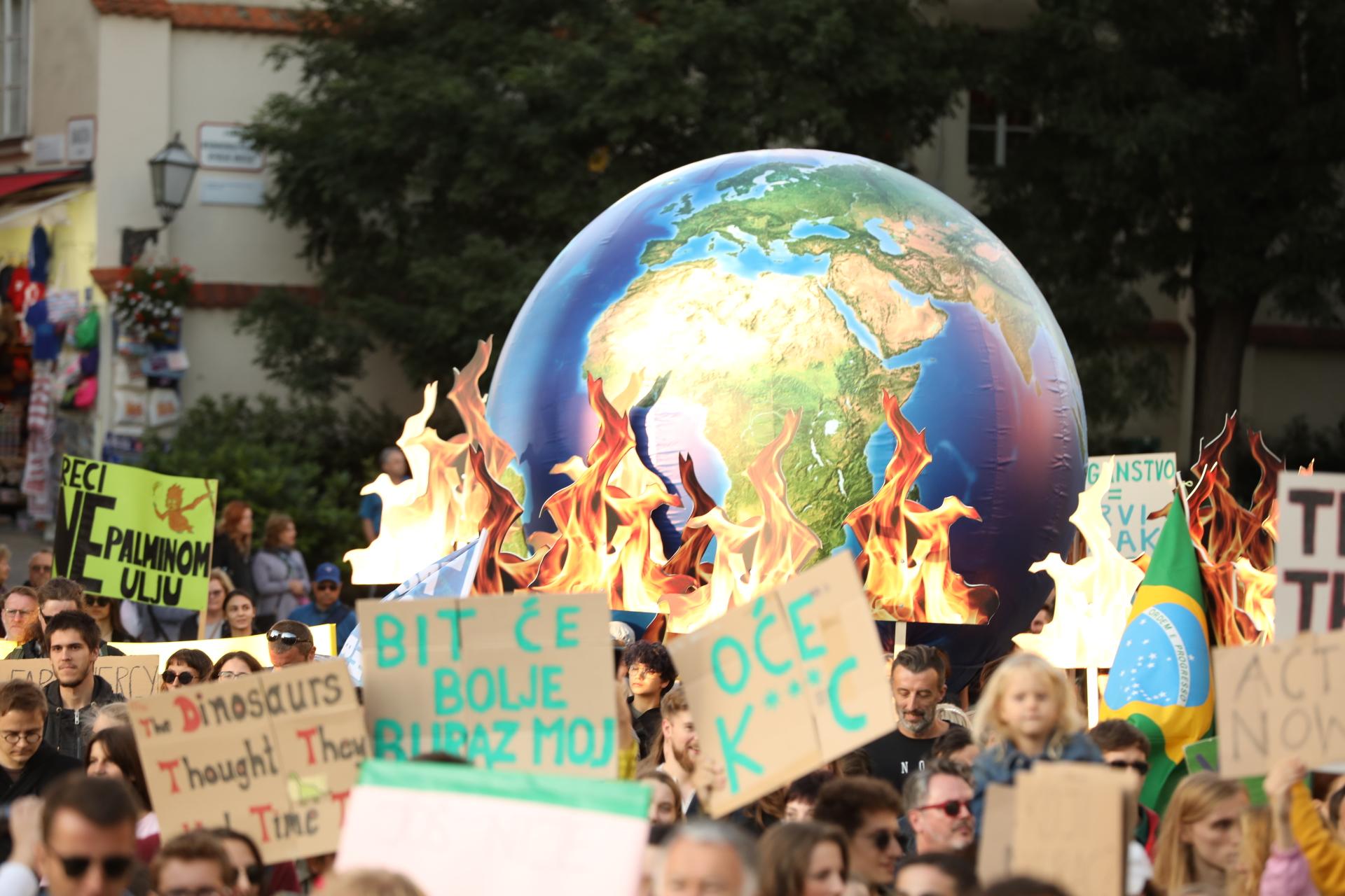 """Photo of FOTO Mladi iz Hrvatske pridružili se globalnom prosvjedu """"Petkom za budućnost"""""""