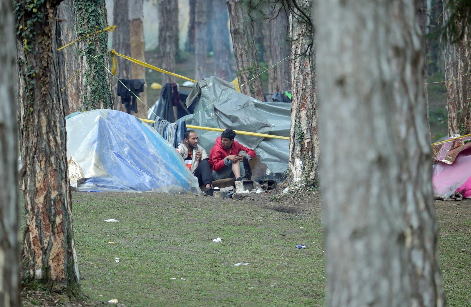"""Photo of LIČANIN UPUTIO OTVORENO PISMO VLADI RH: """"Što se čeka? Vama u Zagrebu migranti ne vrše nuždu na izvoru pitke vode"""""""