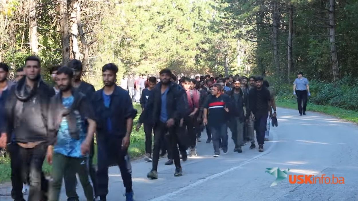 Photo of VIDEO Pogledajte kolonu od 1000 migranata koji uskoro kreću na Plitvička jezera?