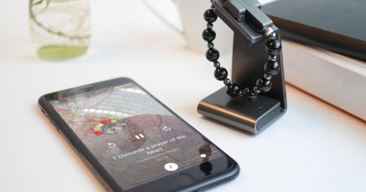 Photo of U KORAK S VREMENOM Vatikan predstavio svoj prvi gadget – elektronsku krunicu
