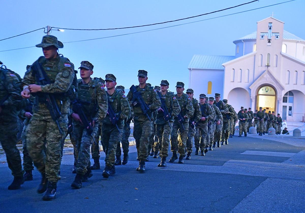 Photo of IZ UDBINE DO KNINA Započela hodnja novih vođa Hrvatske vojske