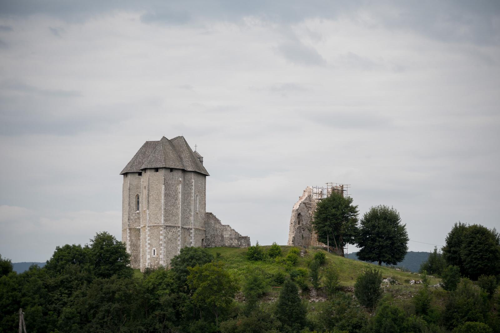 Photo of Najavljeno predavanje o brinjskom starom gradu Sokolcu