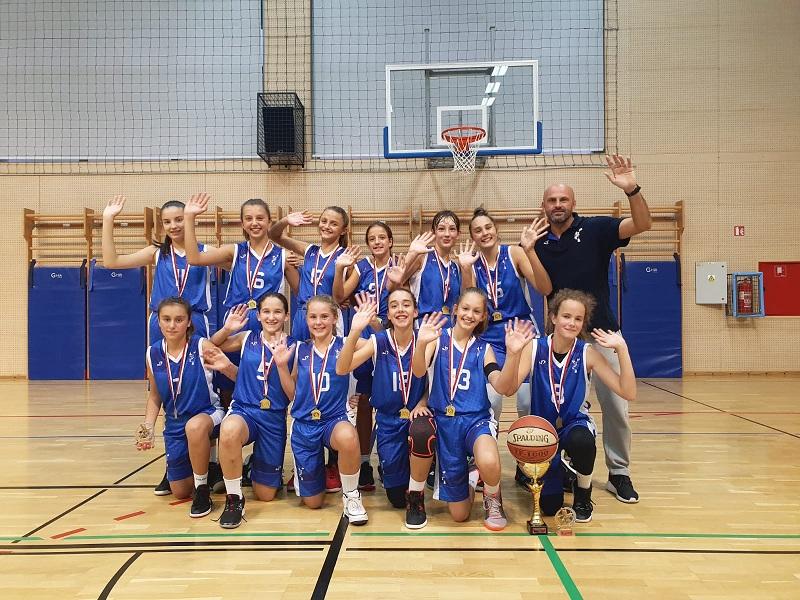 Photo of Mlade košarkašice Gospića osvojile zlato na međunarodnom turniru u Rijeci!