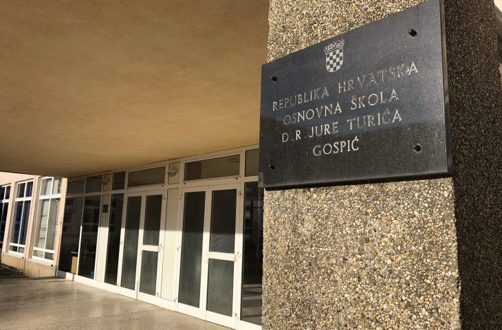 Photo of U četvrtak nema nastave u školama Ličko-senjske županije