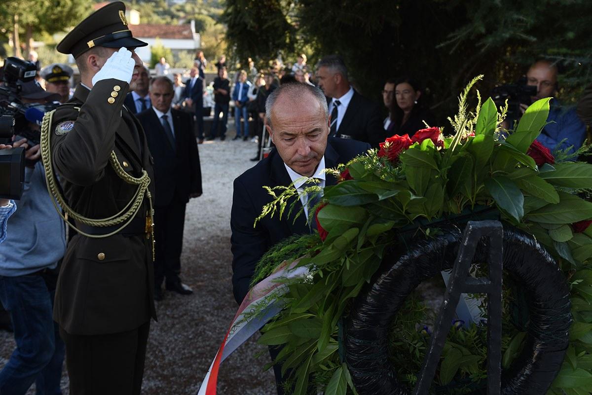 """Photo of Ministar Krstičević: """"Andrija Matijaš Pauk bio je istinski uzor i vođa, simbol hrabrosti"""""""