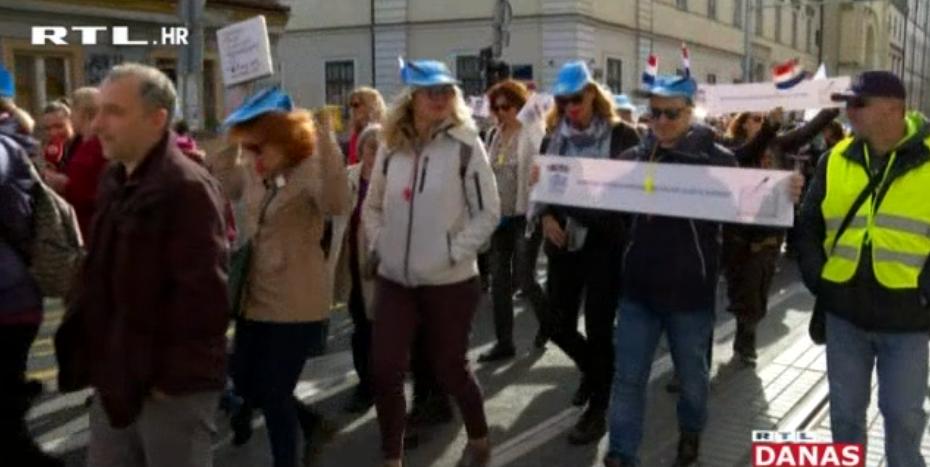 Photo of VIDEO Prosvjetari ne posustaju – premijer poručio kako od ponedjeljka štrajk više neće biti plaćen