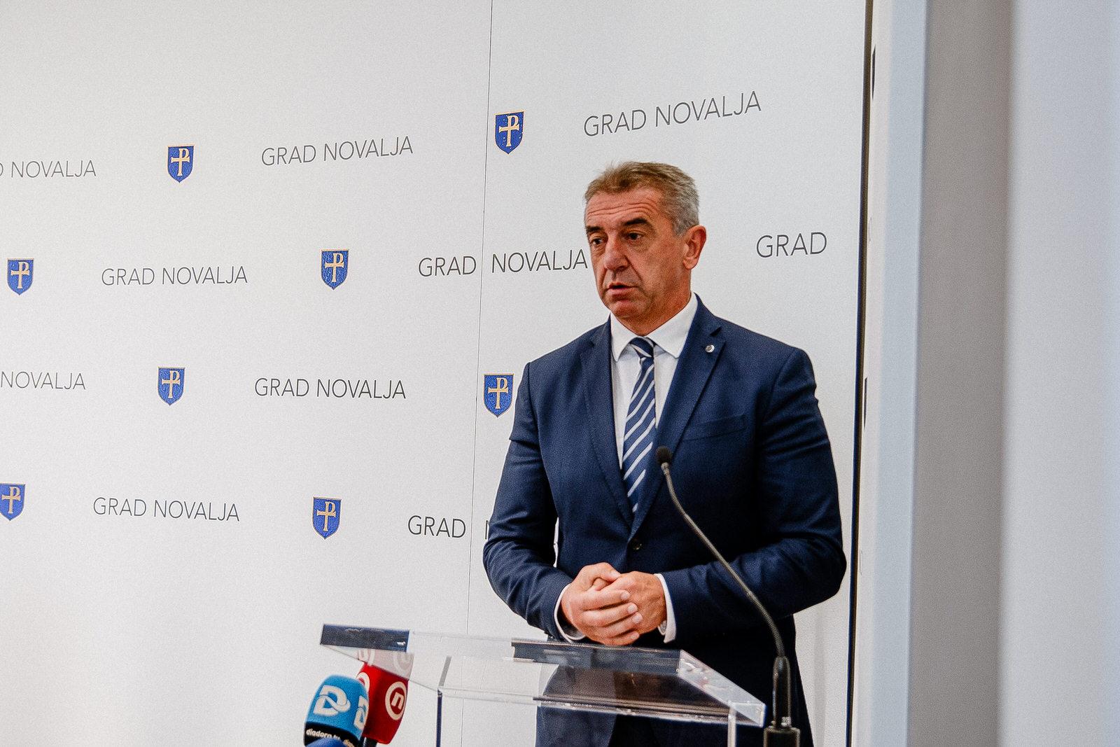 likaclub_novalja_potpisivanje-ugovora-žigljen_2019-14