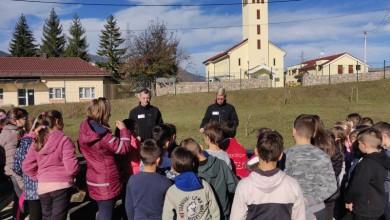 Photo of FOTO Gospićki HGSS održao 40 edukacija u osnovnim školama diljem županije