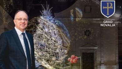 Photo of ČESTITKA IZ GRADA NOVALJE Gradonačelnik Dabo sugrađanima čestitao Božić i Novu godinu