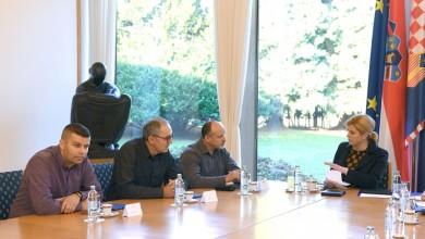 Photo of Predsjednica Republike primila izaslanstvo radnika i branitelja zaposlenih u tvrtki  Đuro Đaković Specijalna vozila d.d.
