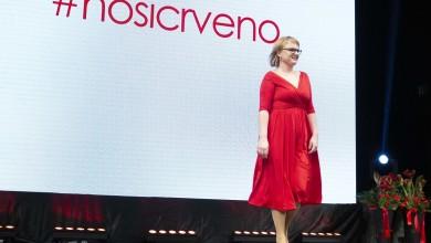Photo of FOTO Osam hrabrih žena nosilo reviju crvenih haljina hrvatskih dizajnera