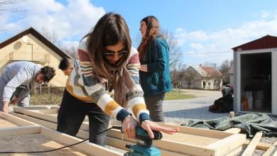 Photo of Mladi iz 5 zemalja na volonterskom kampu u Velikom Žitniku