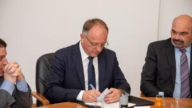 Photo of U Gospiću potpisani novi Ugovori za izgradnju i obnovu luka u Ličko-senjskoj županiji
