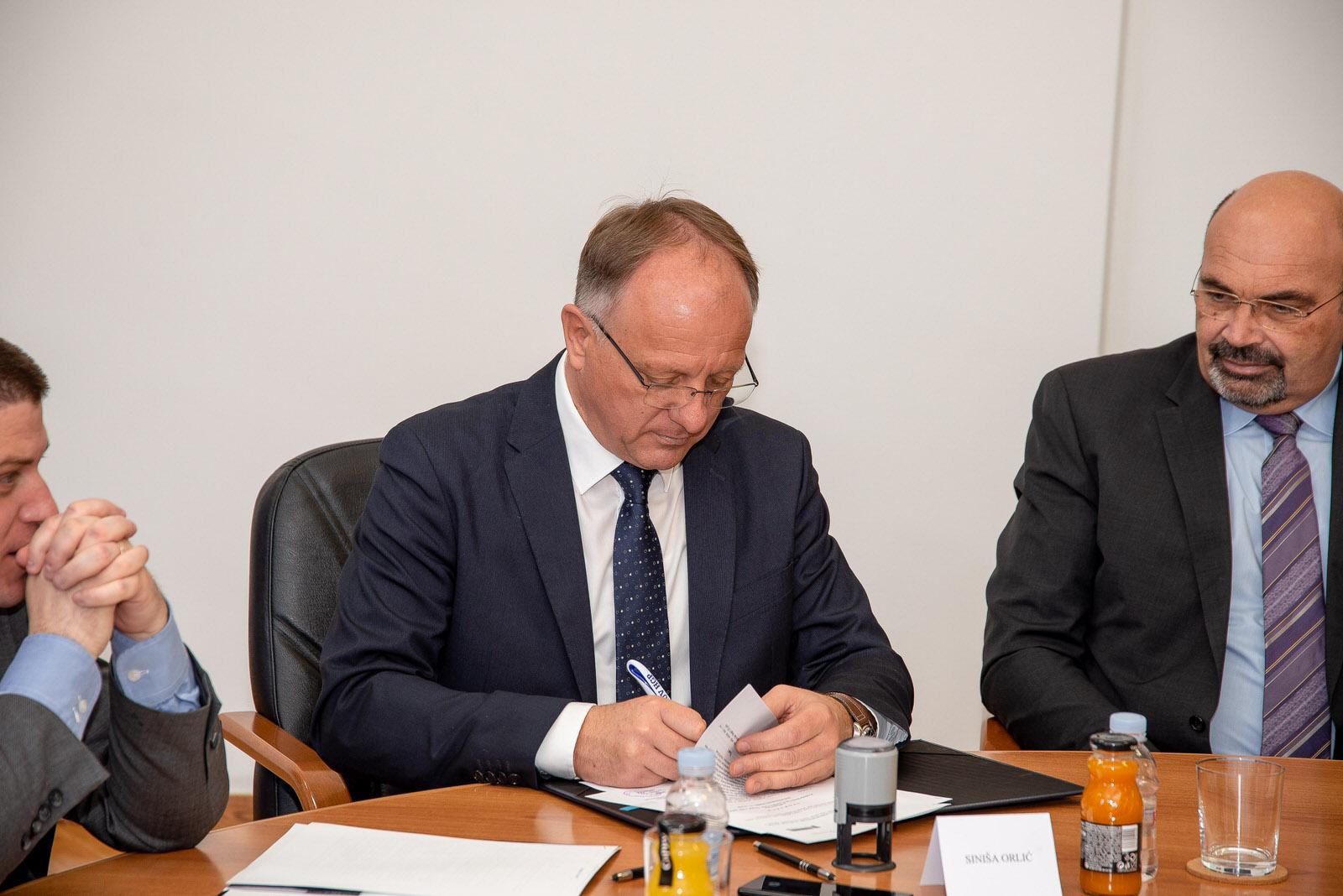 likaclub_svečanosti potpisivanja ugovora i sporazuma_lsž_28-2-2020 (29)