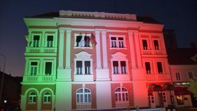 Photo of Zgrada Karlovačke županije u bojama talijanske zastave u znak potpore Alessandriji