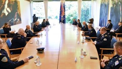 Photo of Predsjednik Milanović zahvalio vatrogascima na svemu što čine za građane