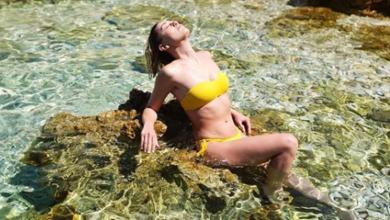 """Photo of Emily iz """"Gospodina Savršenog"""" uživa u ljetnim radostima u Novalji"""