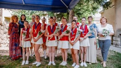 Photo of FOTO Dodijeljene medalje zlatnim gospićkim mažoretkinjama
