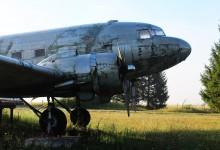 Photo of GACKI APSURD: Otočkom avionu DC-3 je zabranjen pristup, a udruga koja upravlja aerodromom tužila je Grad Otočac