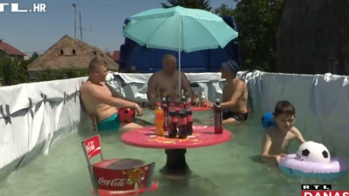 Photo of VIDEO Kad ti je vruće, a nemaš se gdje rashladiti: Vozač iz Baranje prikolicu kamiona pretvorio u bazen