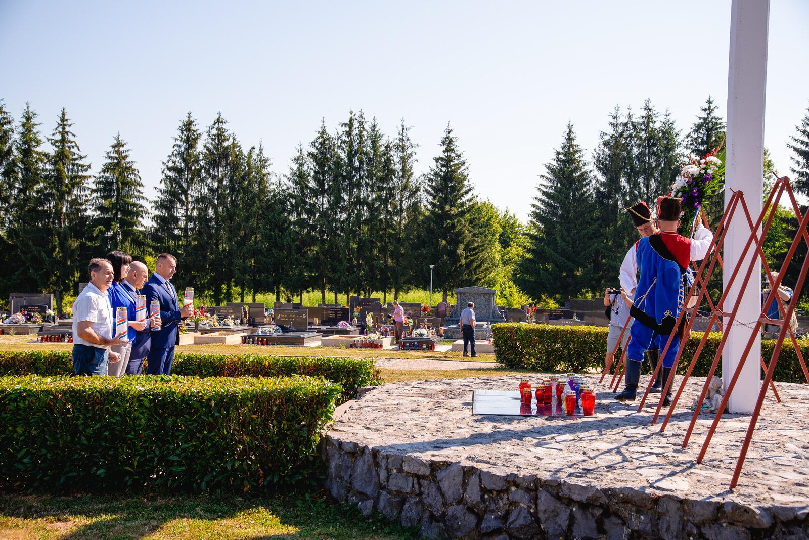 likaclub_polaganje vijenaca i sveta misa_22_7_2020 (11)