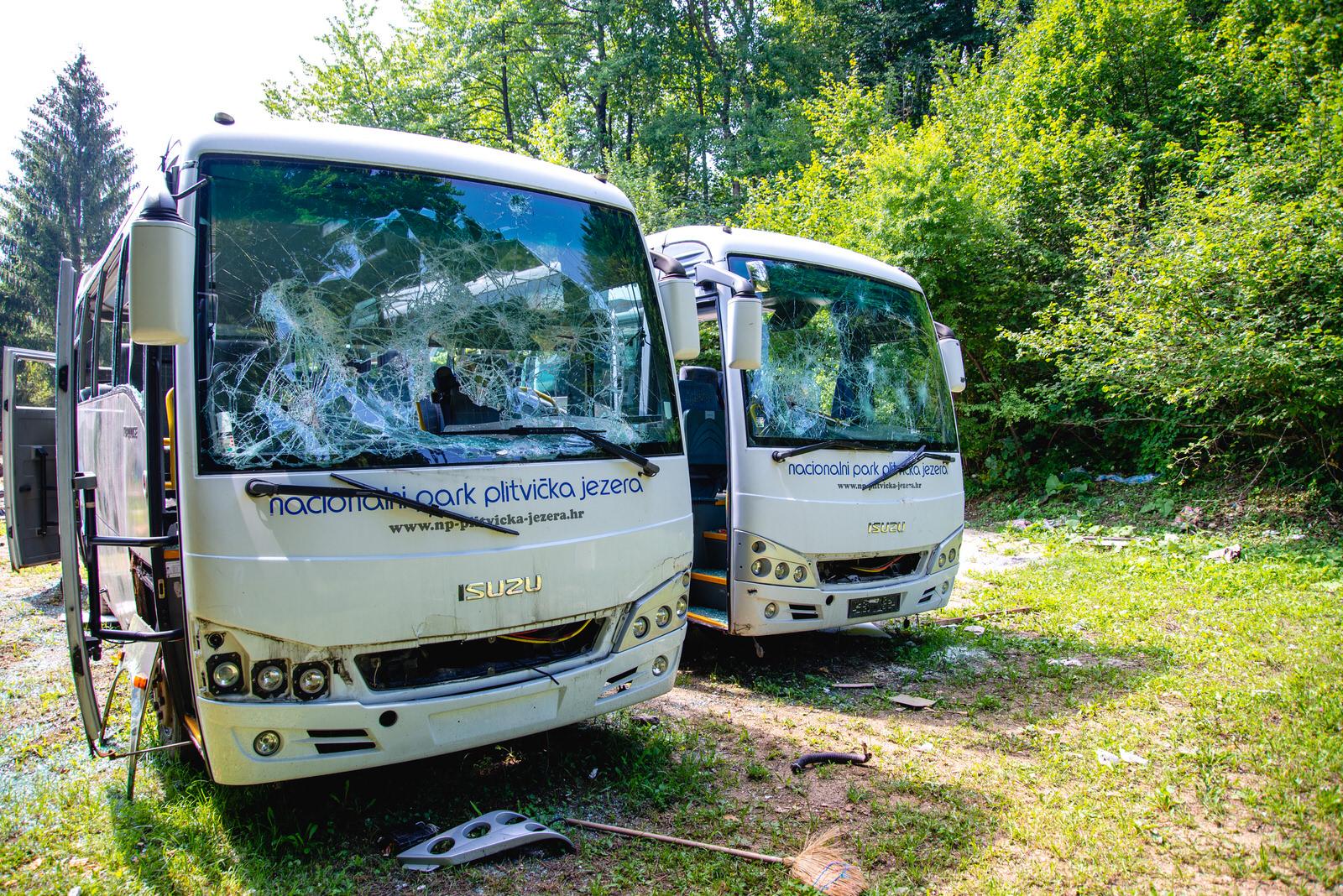 likaclub_autobusi plitvička jezera u mukinjama_11_8_2020 (8)