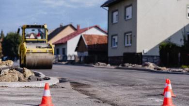 Photo of FOTO Krenulo je asfaltiranje Budačke ulice u Gospiću