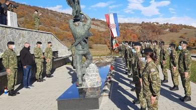 "Photo of FOTO Admiral Hranj: ""Tradiciju Vukova nastavljaju mladi naraštaji Hrvatske vojske"""