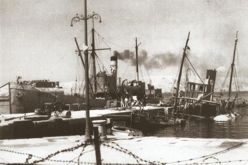 Njemački brod Arpione privezan uz gat Sv. Nikole u senjskoj luci, Izvor: Privatna kolekcija