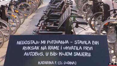 """Photo of VIDEO Stotinu invalidska kolica s potresnim porukama za sigurnost u prometu: """"Sve u životu što ste stvarali nestane"""""""