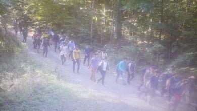 """Photo of Kolone migranata u Gorskom kotaru: """"Provaljuju, pljačkaju planinare i svi su naoružani"""""""