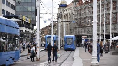 Photo of Zagreb: Počinje testiranje u školama, stižu naljepnice o dozvoljenom broju putnika u ZET-u
