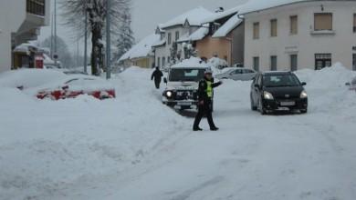 Photo of Policija upozorava: Zimski uvjeti na cestama, oprezno u prometu!