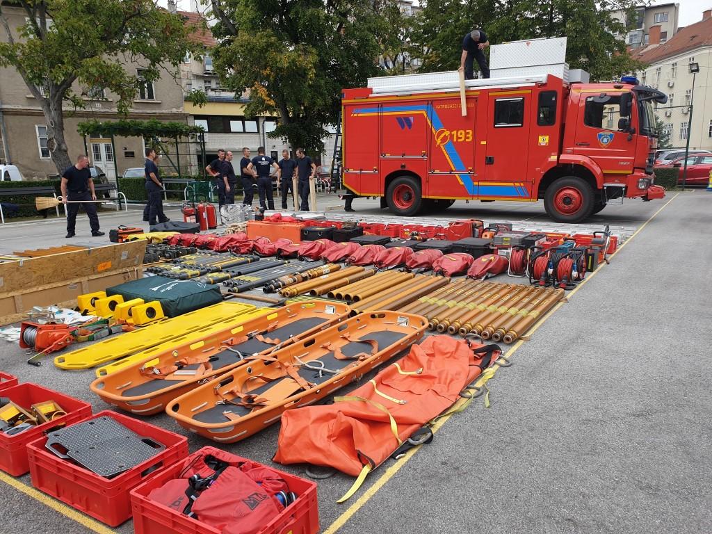Vozilo s opremom za spašavanje u slučaju teških nesreća JVP Grada Zagreba (JVP Zagreb)