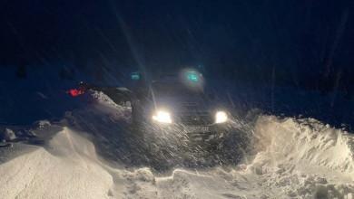 Photo of Mrkopalj: HGSS spasio tri osobe i psa iz automobila zatrpanog snijegom
