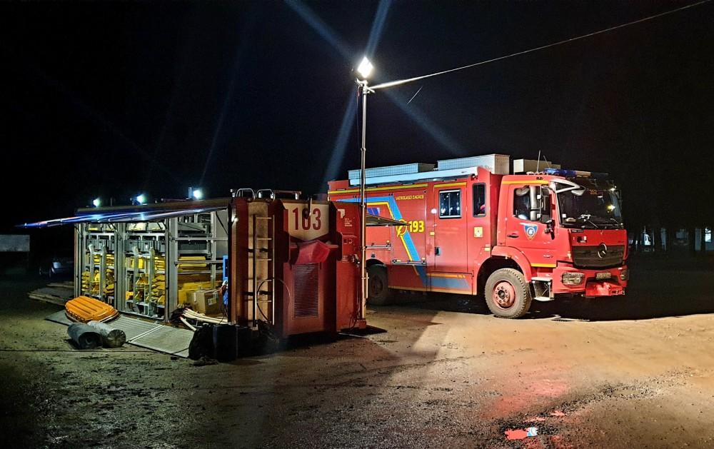 Vozilo s opremom za spašavanje i kontejner s opremom za spašavanje iz ruševina JVP Grada Zagreba (JVP Grada Zagreba)