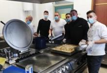 Photo of HEROJI IZ SJENE I kuhari iz Otočca su kuhali za Banovinu!