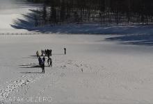 Photo of VIDEO Hodanje po zaleđenom jezeru na Platku je strogo zabranjeno!