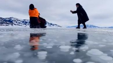 Photo of VIDEO Fenomen koji se rijetko viđa: Na površini jezera u Kini pojavili su se ledeni mjehurići
