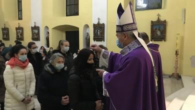 Photo of FOTO Proslava Čiste srijede i obred pepeljenja u gospićkoj katedrali
