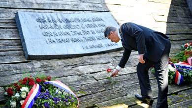 """Photo of Predsjednik Milanović odao počast žrtvama Jasenovca: """"Žao mi je što nije došlo do zajedničkog obilježavanja"""""""