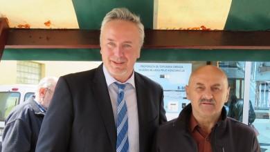 Photo of Tušak i Starčević na tržnici u Gospiću prikupili potpise, očekuje se ulazak u drugi krug za župana
