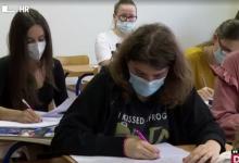 Photo of VIDEO Covid pozitivni maturanti priliku za ispite dobit će tek najesen, profesori nezadovoljni uputama Ministarstva