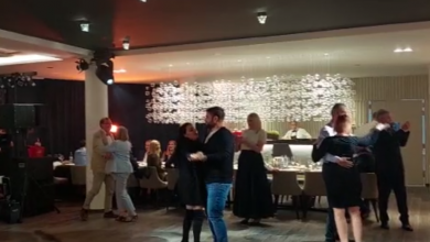 Photo of VIDEO Pogledajte kako se uzvanici zabavljaju na prvoj pilot svadbi u Hrvatskoj! Nema maski ni distance, pleše se uz dobru hranu i piće